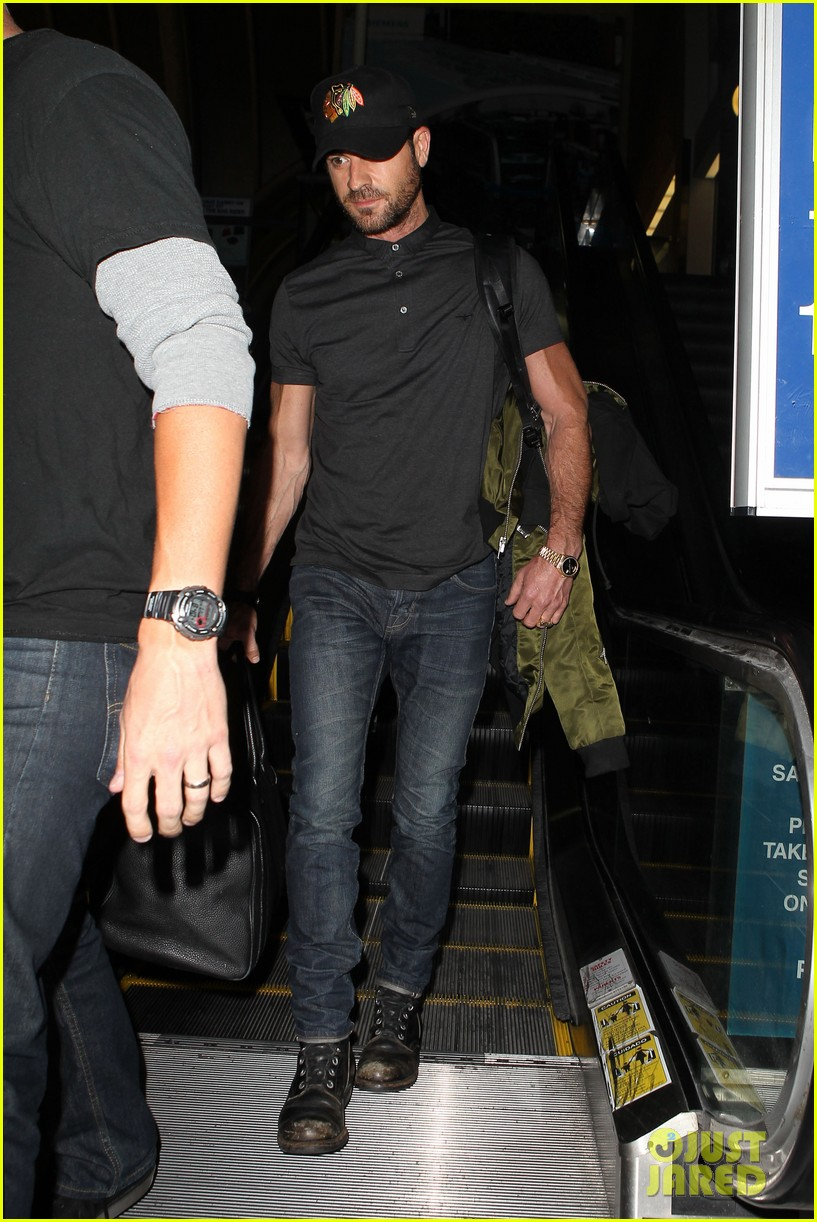 justin theroux from new york to lax 08