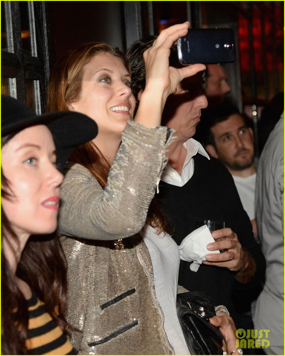 kate walsh peter facinelli samsung galaxy s launch 04