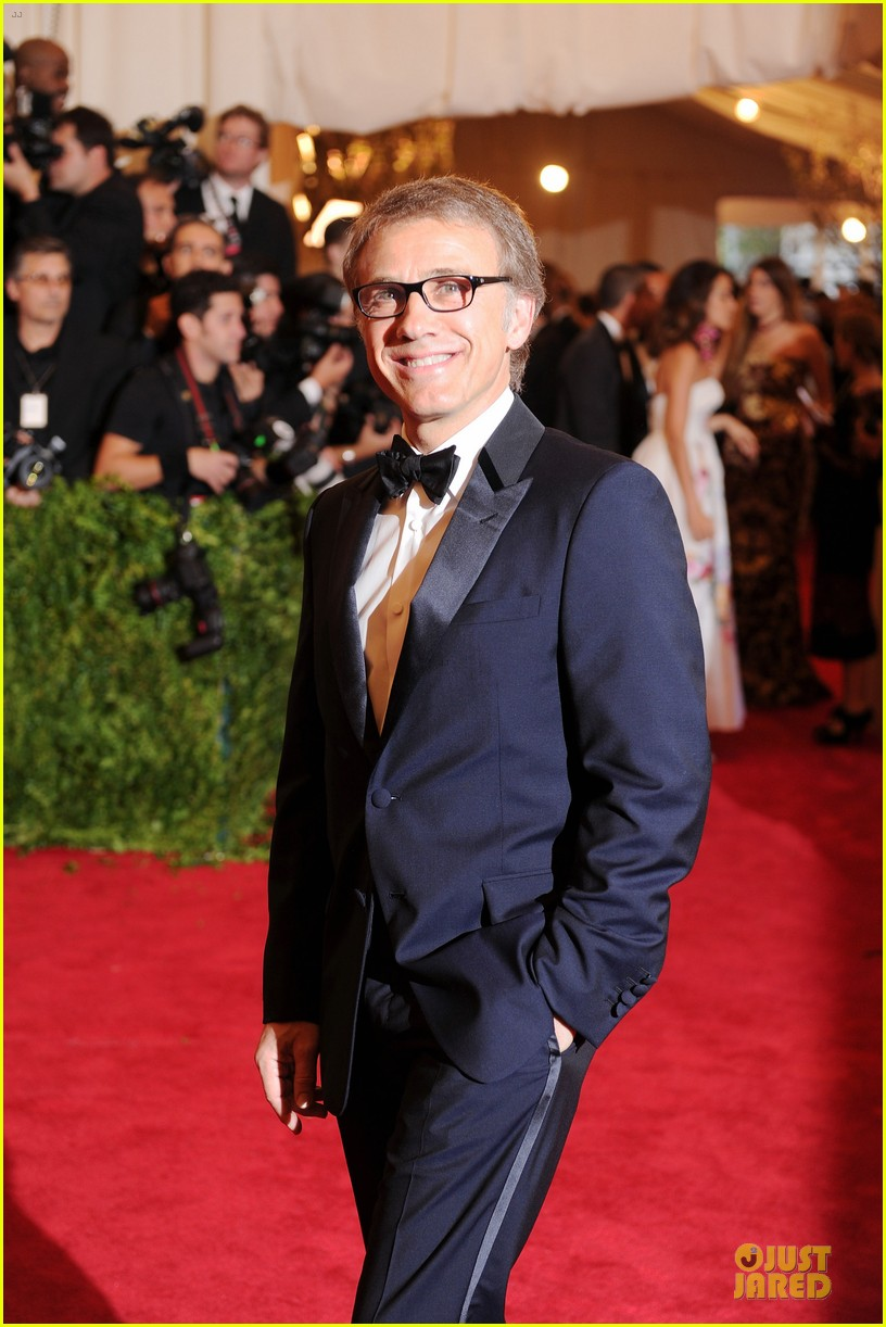 christoph waltz met ball 2013 red carpet 03