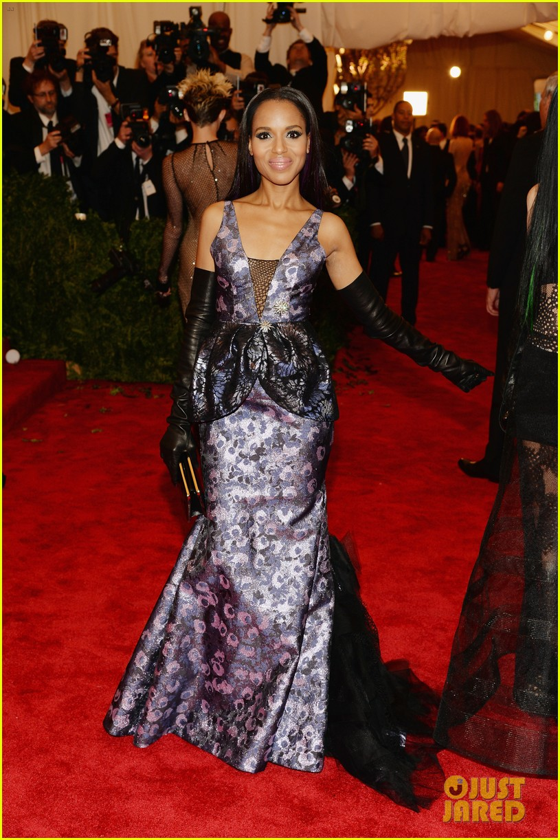 kerry washington met ball 2013 red carpet 01