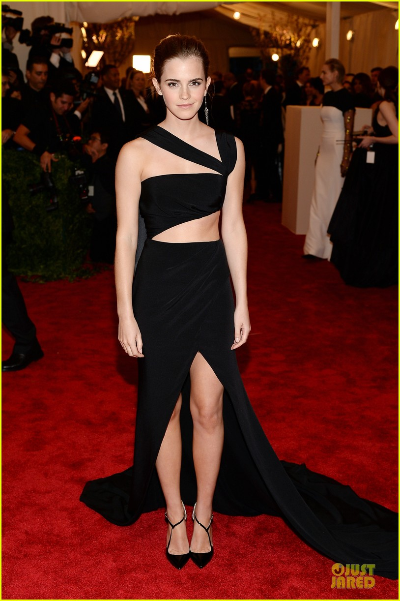 emma watson met ball 2013 red carpet 04