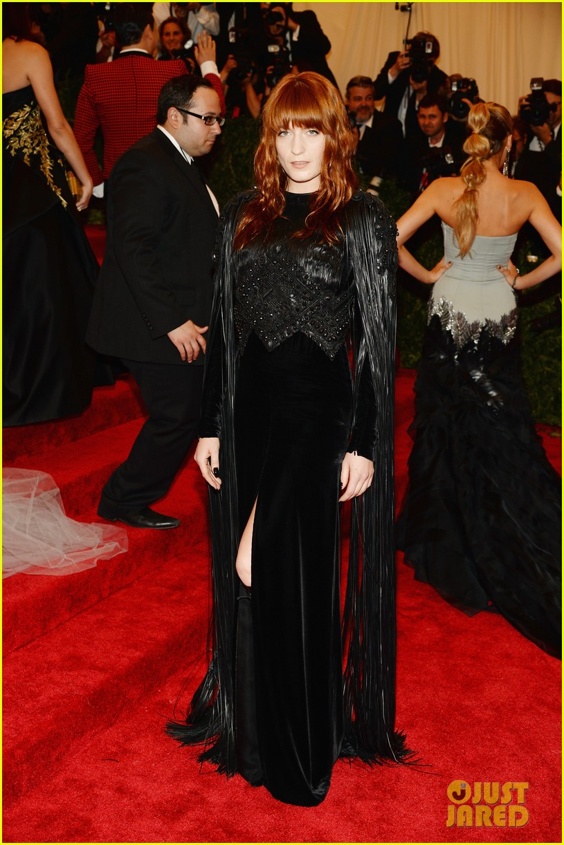 florence welch met ball 2013 red carpet 01
