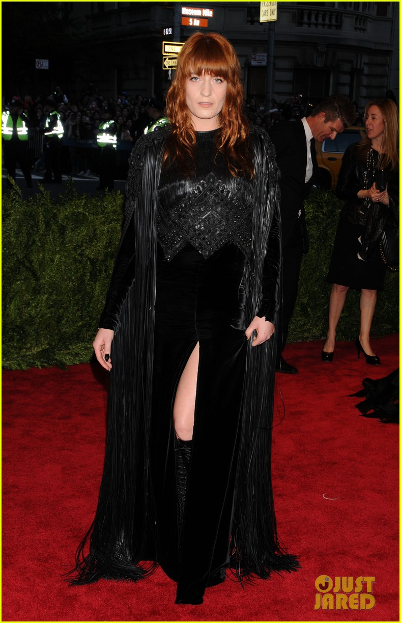 florence welch met ball 2013 red carpet 04