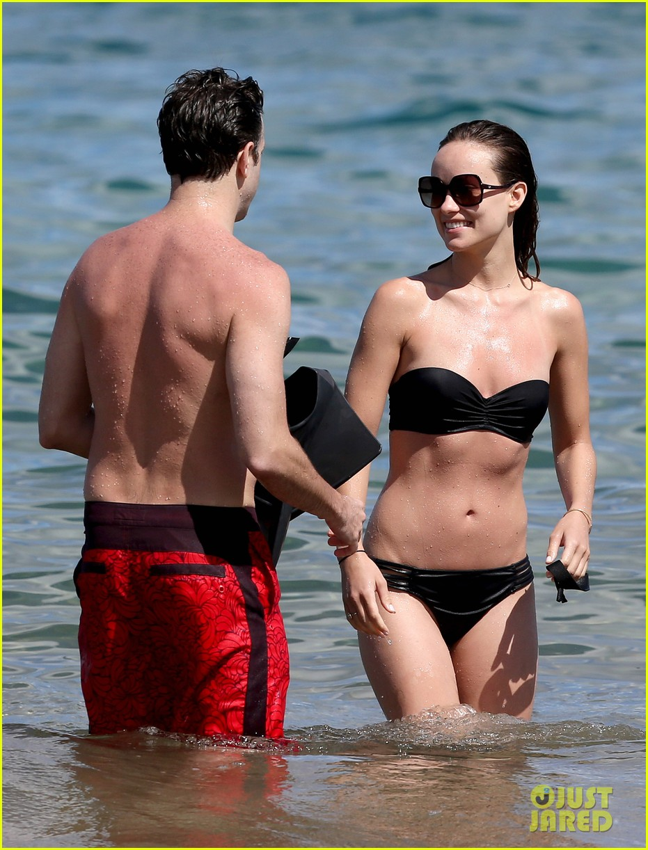olivia wilde bikini vacation with shirtless jason sudeikis continues 02