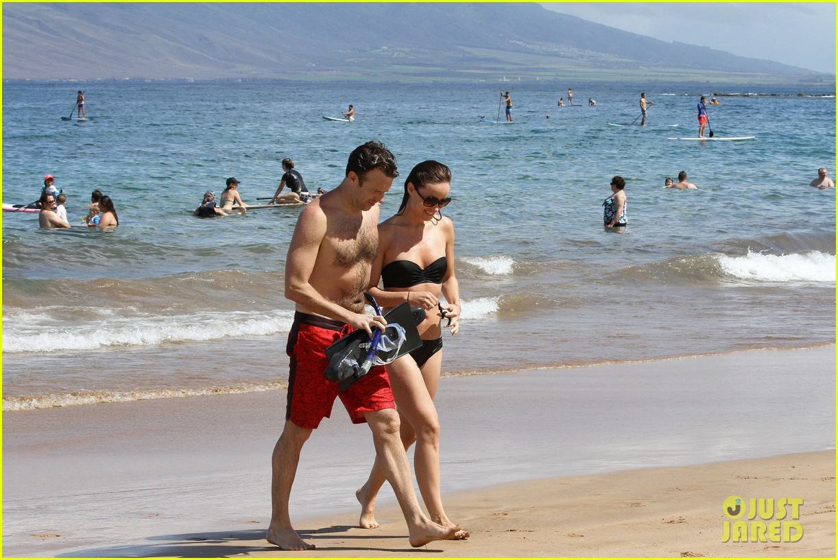 olivia wilde bikini vacation with shirtless jason sudeikis continues 03