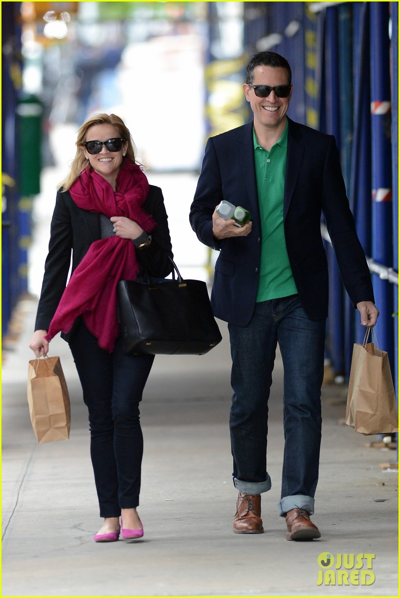 reese witherspoon jim toth breakfast smiles 11