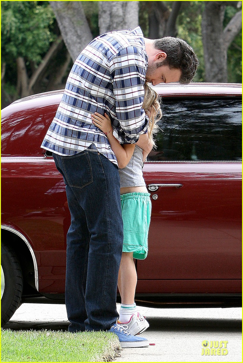ben affleck loving dad while jennifer garner is away 21