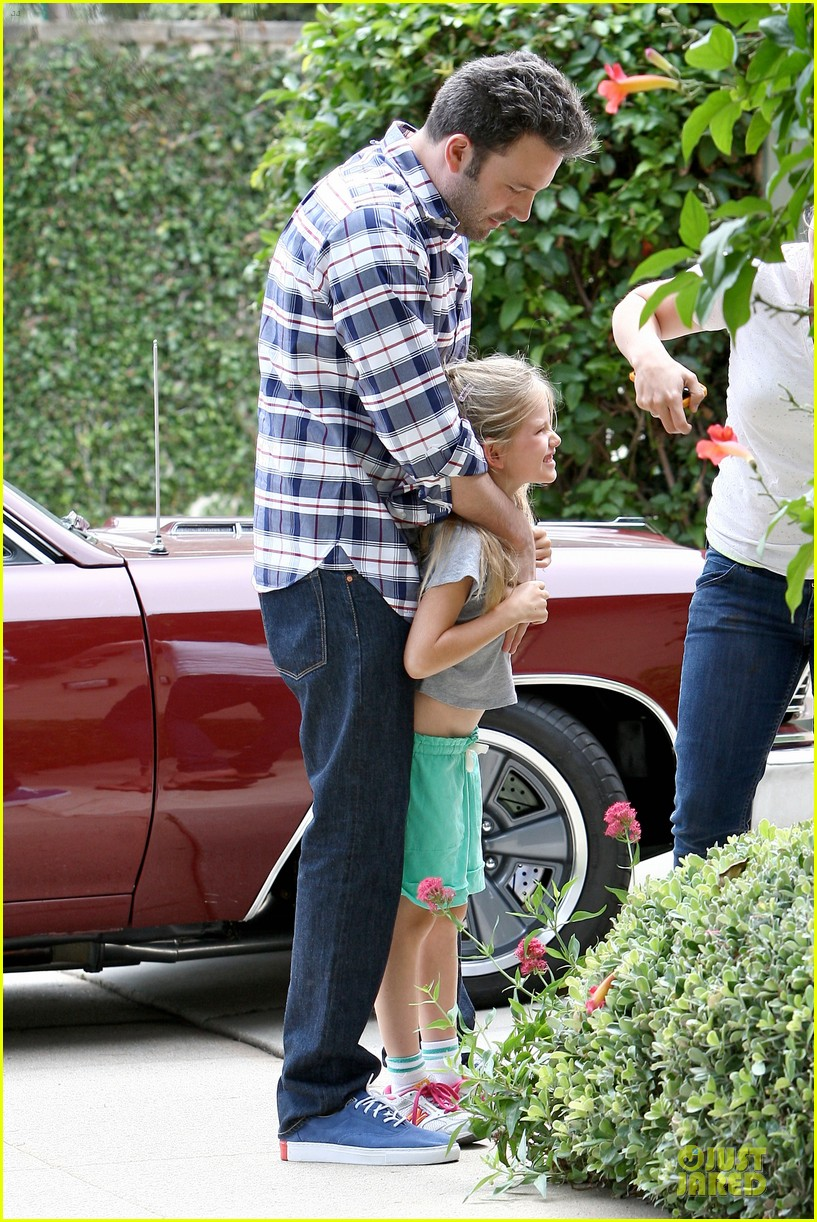 ben affleck loving dad while jennifer garner is away 24