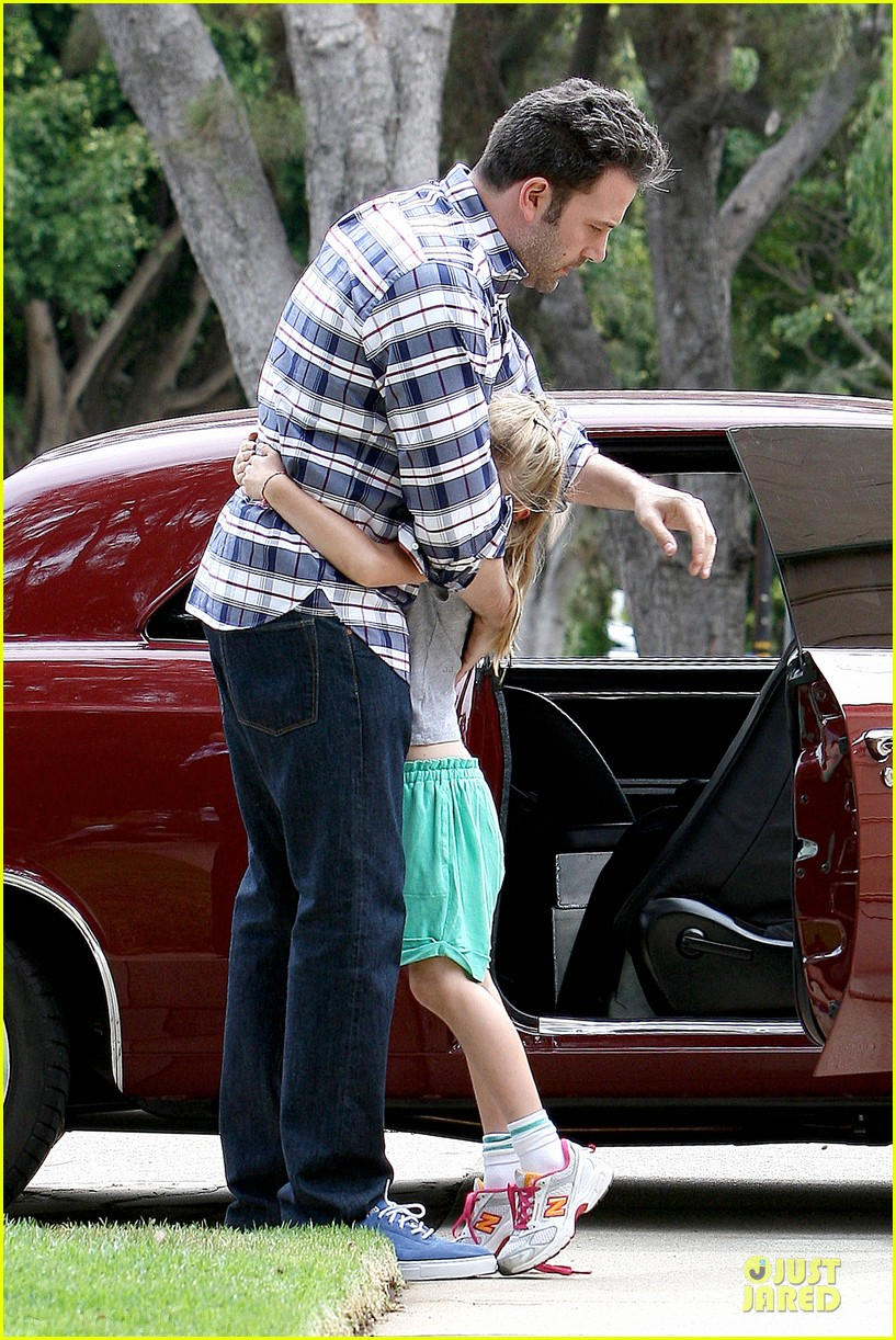 ben affleck loving dad while jennifer garner is away 28