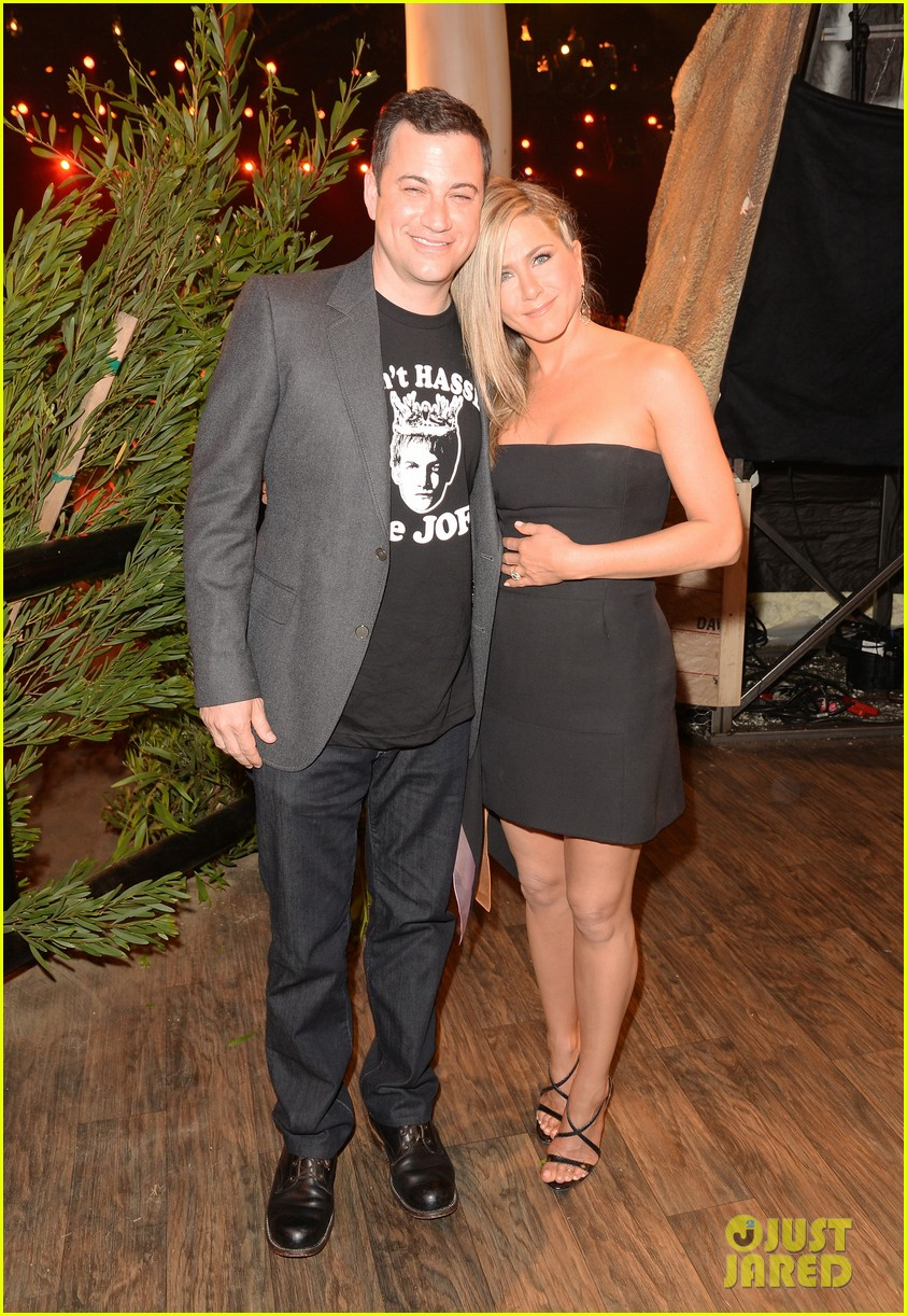jennifer aniston bradley cooper reunite at guys choice awards 2013 032887258