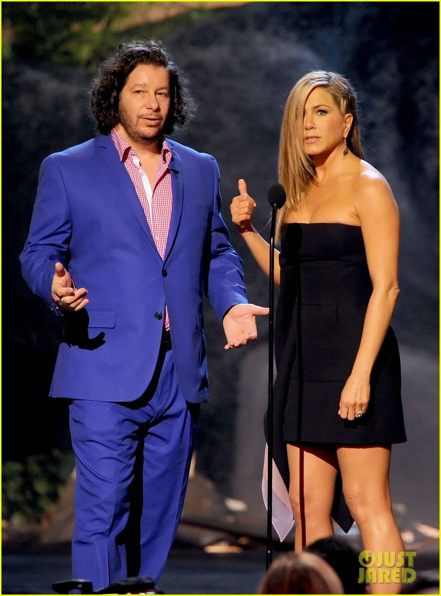 jennifer aniston bradley cooper reunite at guys choice awards 2013 20
