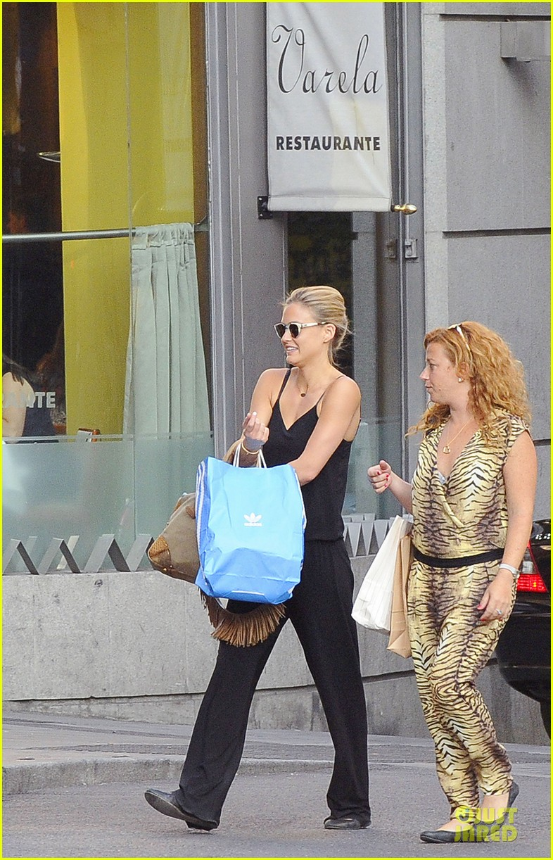 bar refaeli toned arms for madrid shopping trip 292898614