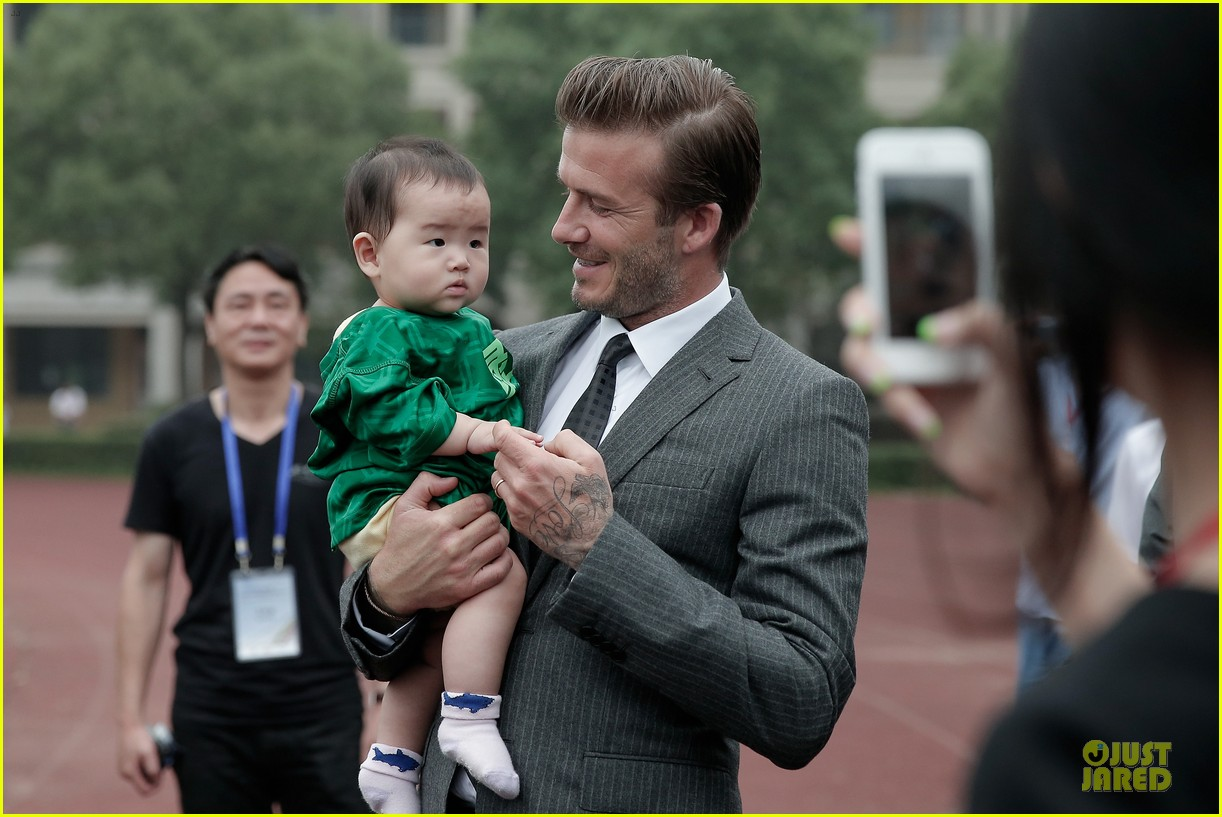 david beckham visits hangzhou greentown club victoria shops 022896315