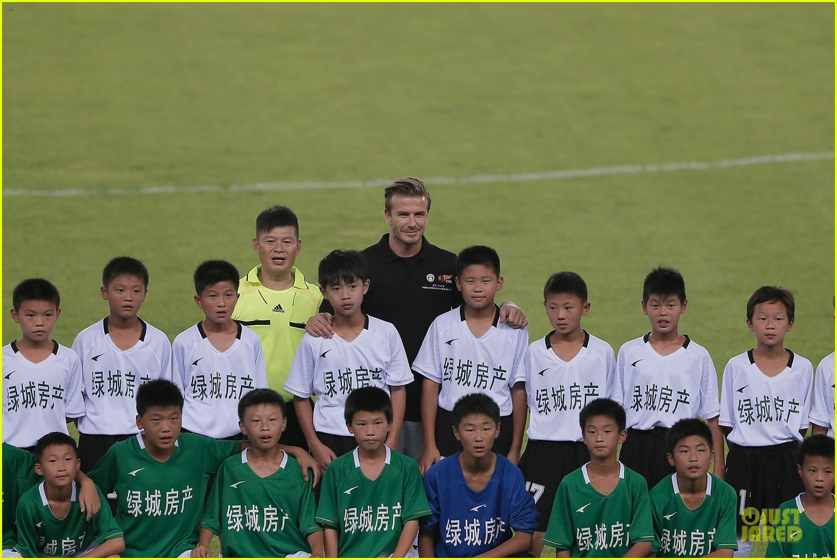 david beckham visits hangzhou greentown club victoria shops 27