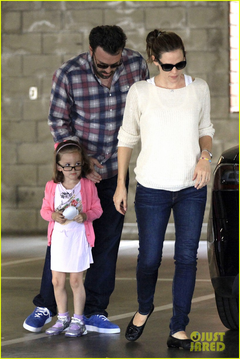 ben affleck jennifer garner sunday dinner with bens mom 01