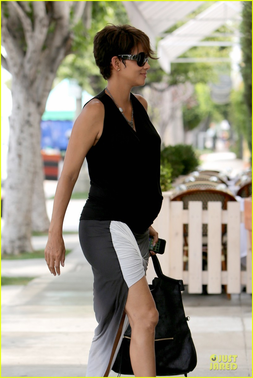 halle berry twisted legs at fig olive 042901359