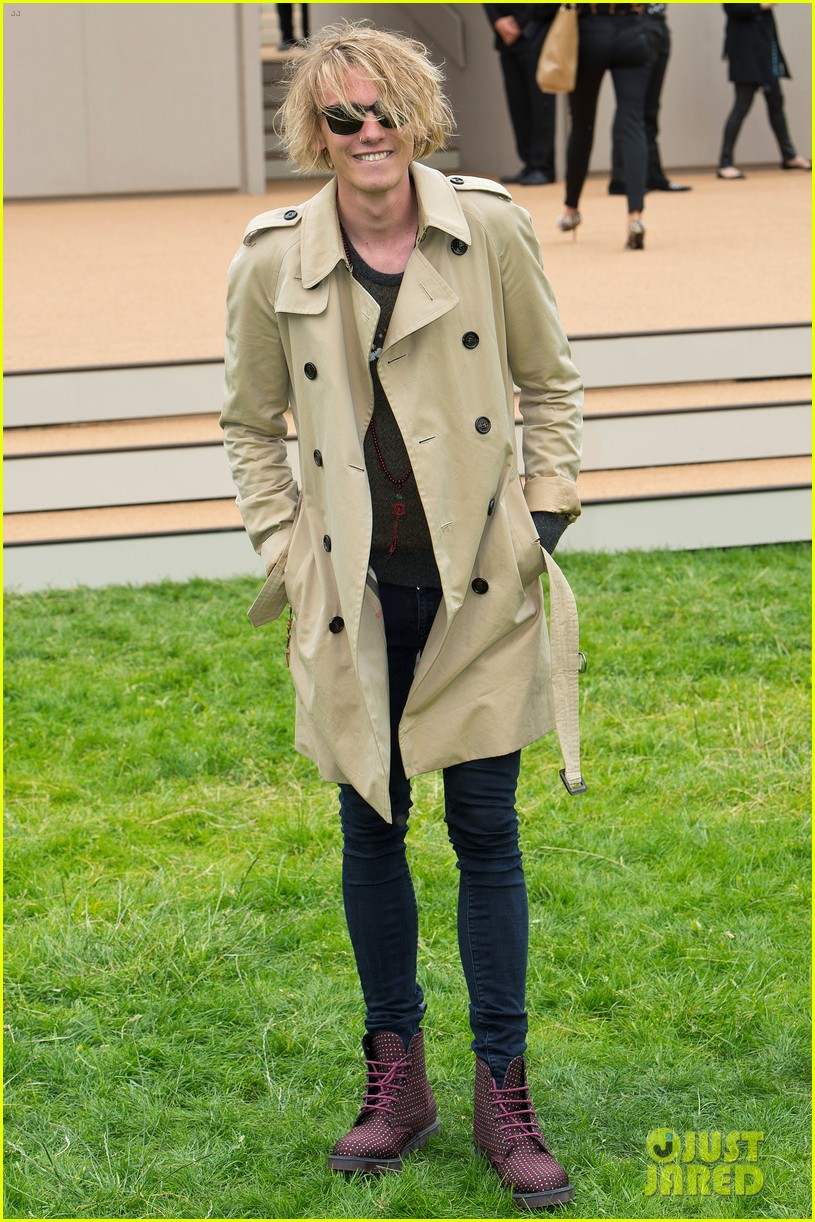 douglas booth jamie campbell bower burberry show 172893745