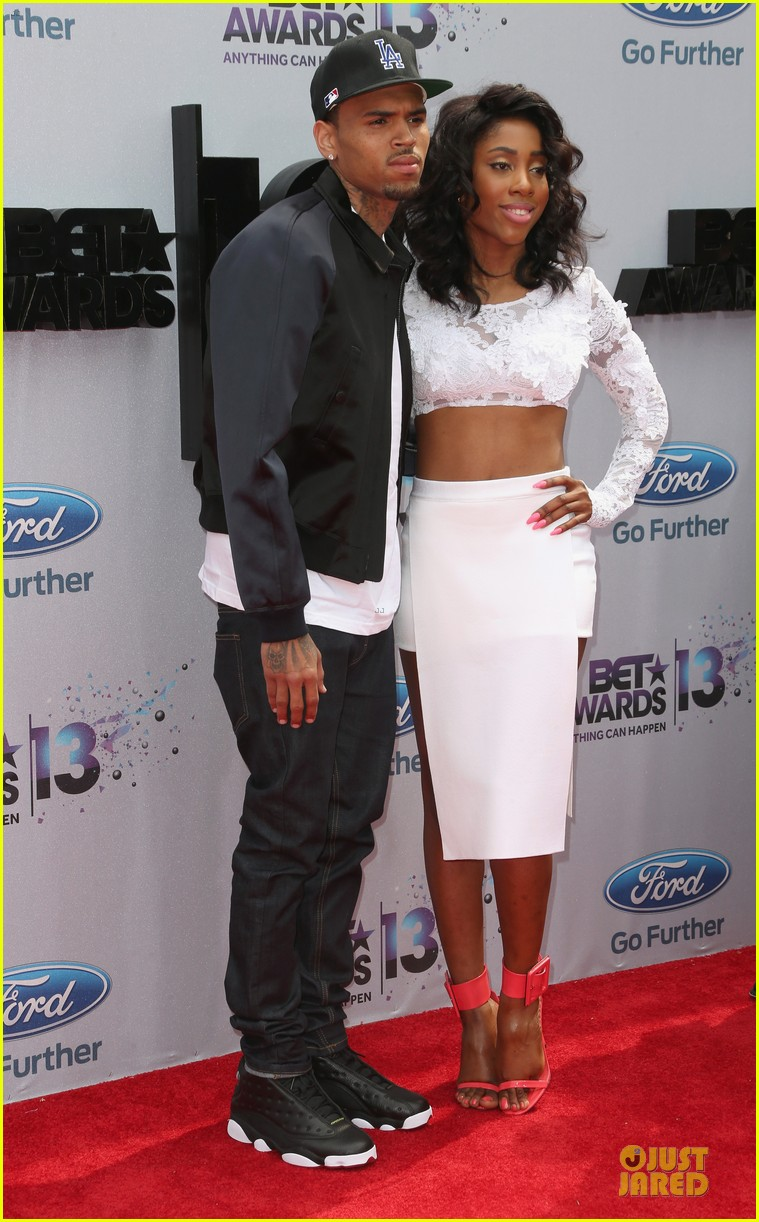 chris brown bet awards 2013 red carpet 05