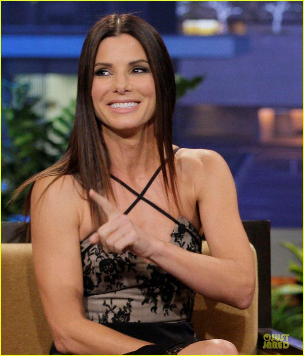 sandra bullock talks naked scene with chelsea handler 02