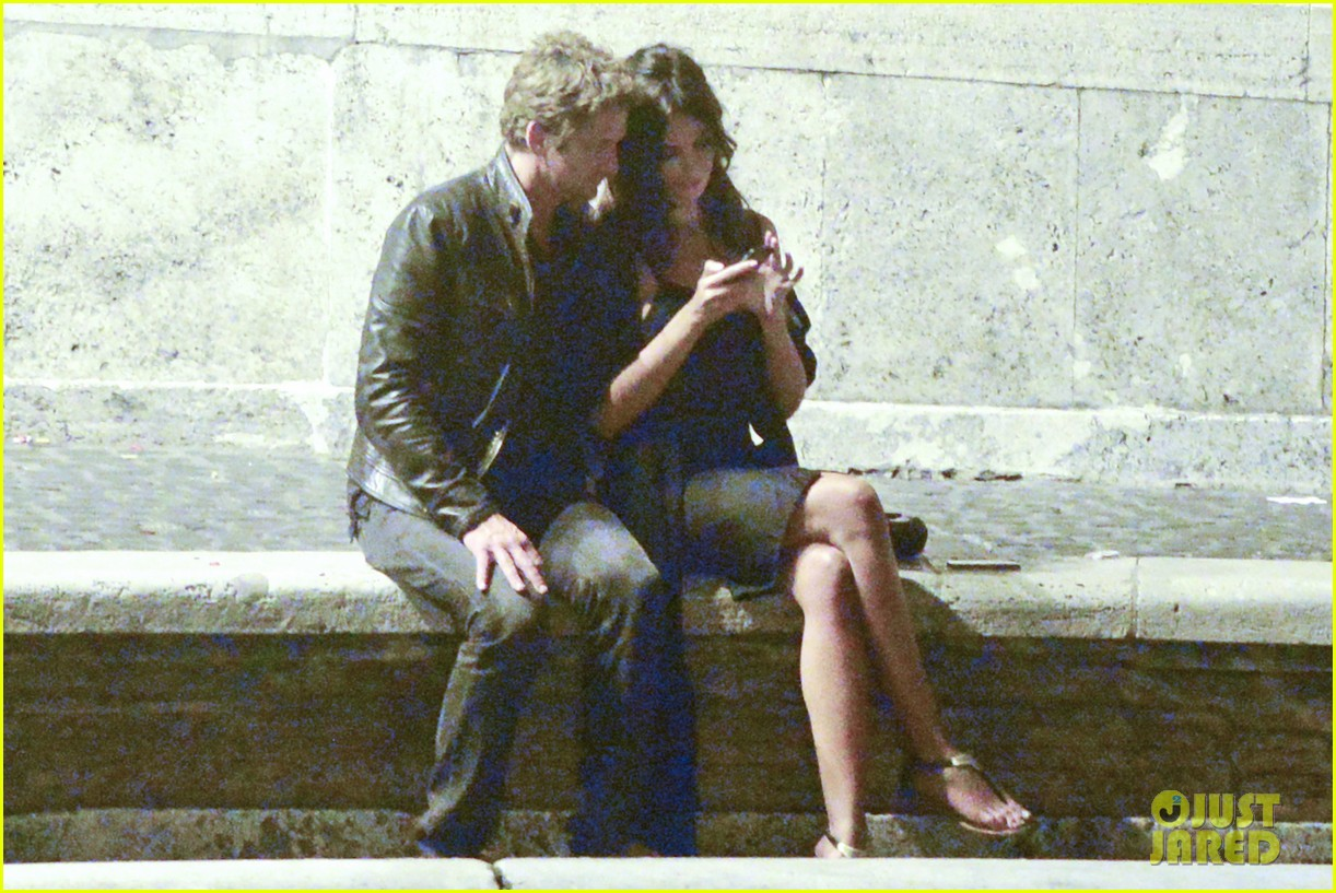gerard butler rome night out with madalena ghenea 02
