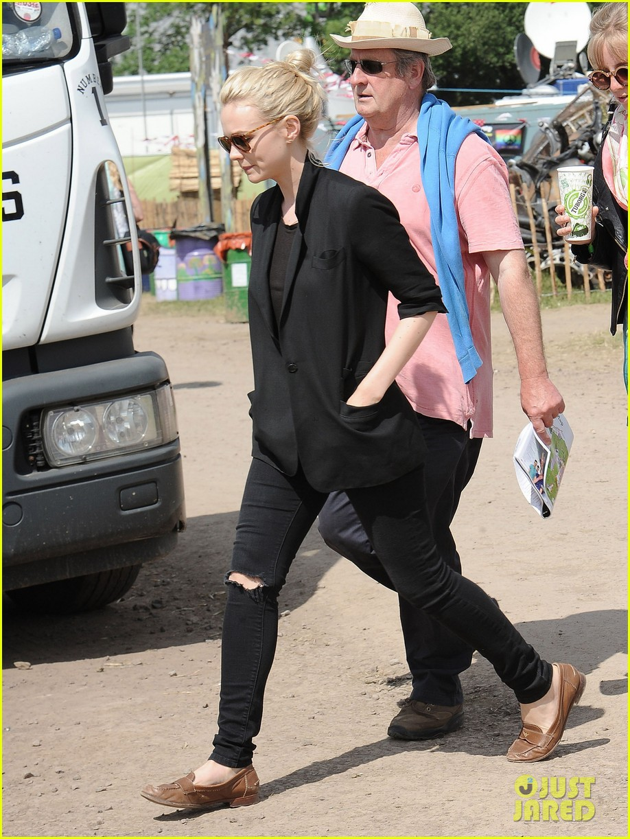 carey mulligan glastonbury festival goer 032901211