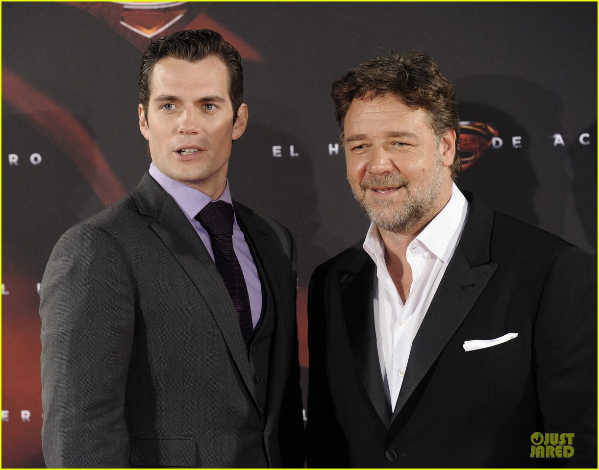 henry cavill russell crowe man of steel madrid premiere 20