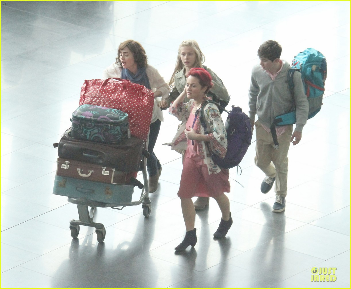 lily collins love rosie airport scene with jaime winstone 062899021