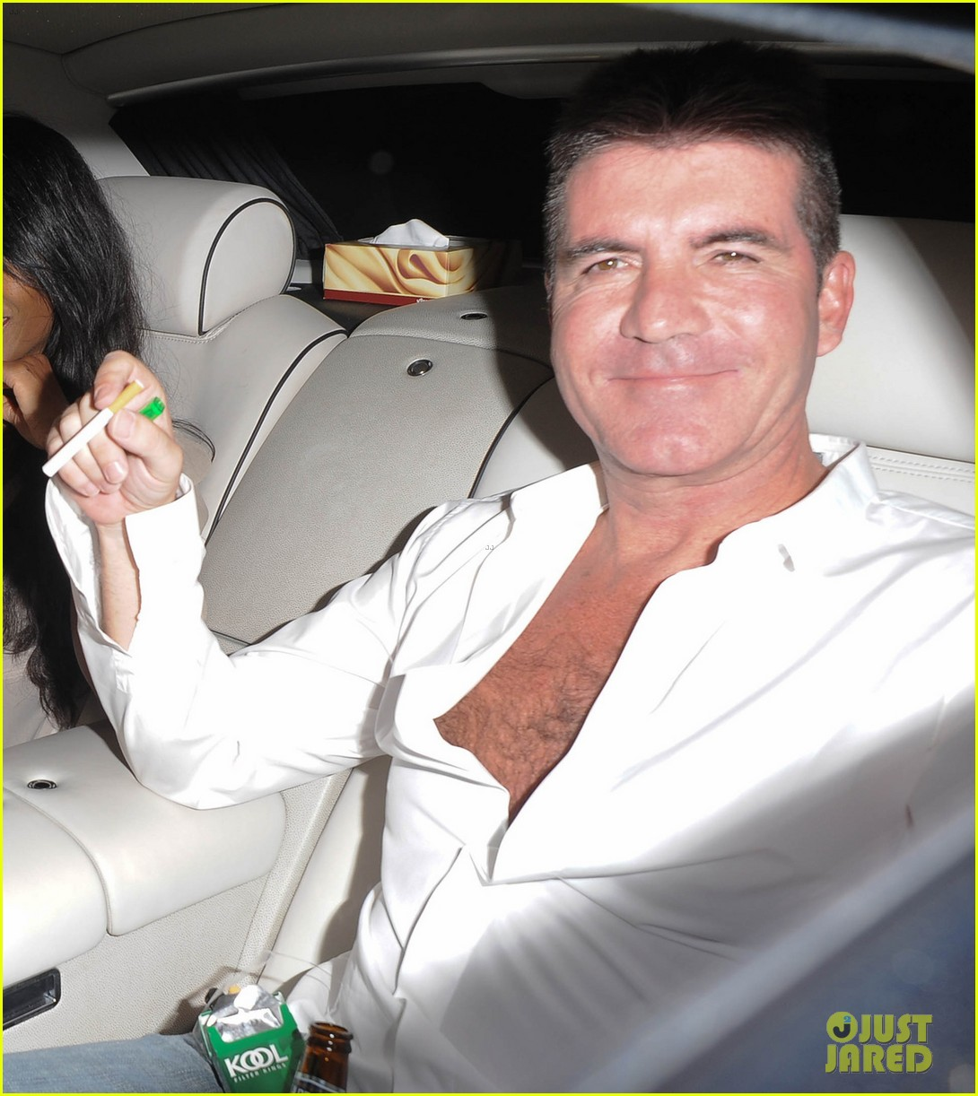 simon cowell egged during americas got talent finale 032887253