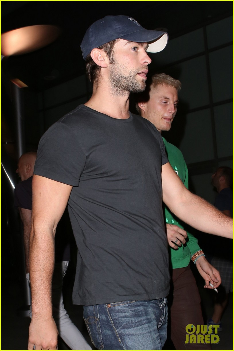 chace crawford arclight movie outing 02