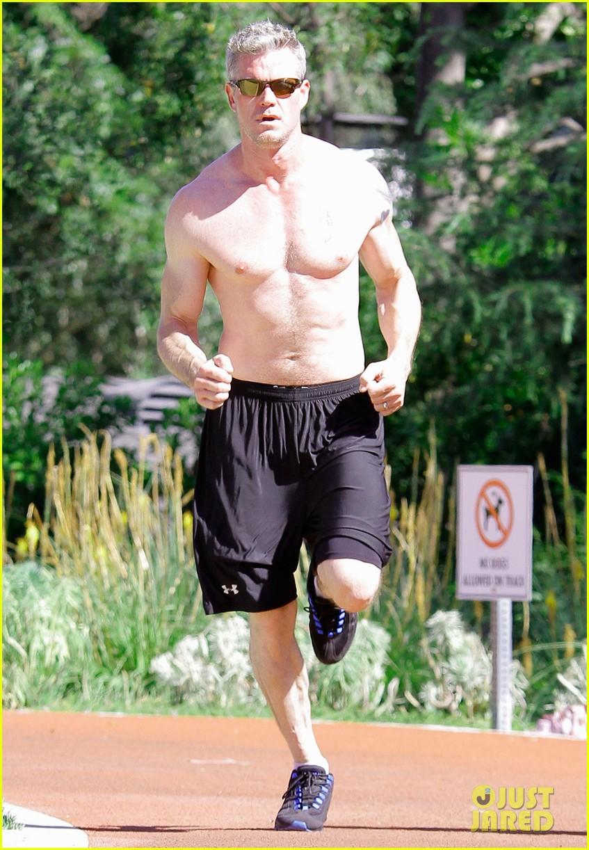 eric dane shirtless workout at coldwater canyon park 122895362