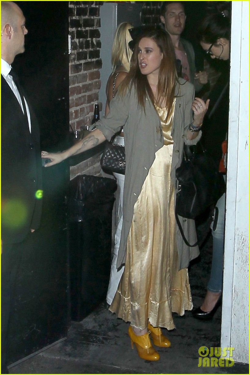 demi moore rumer willis sneak out of sayers club 01
