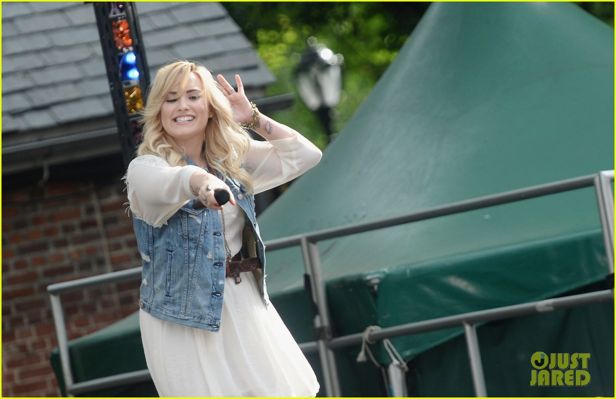 demi lovato good morning america summer concert performer 22
