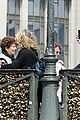 leonardo dicaprio visits famous love locks in paris 19