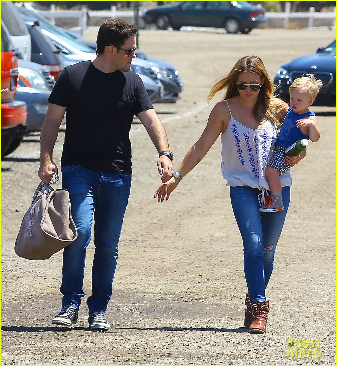 hilary duff family farm fun with sister haylie 10