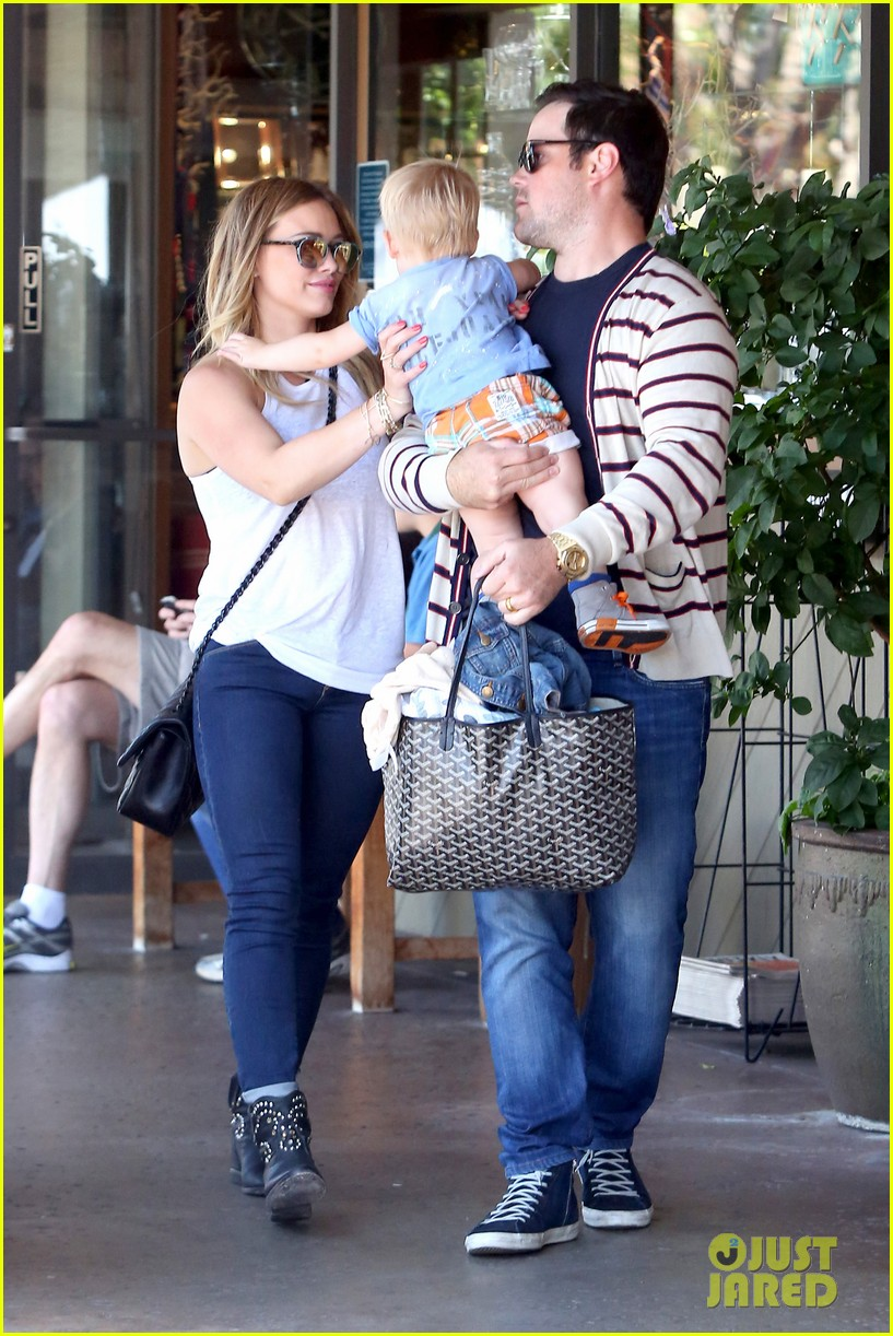 hilary duff fathers day weekend mike comrie baby luca 092892676