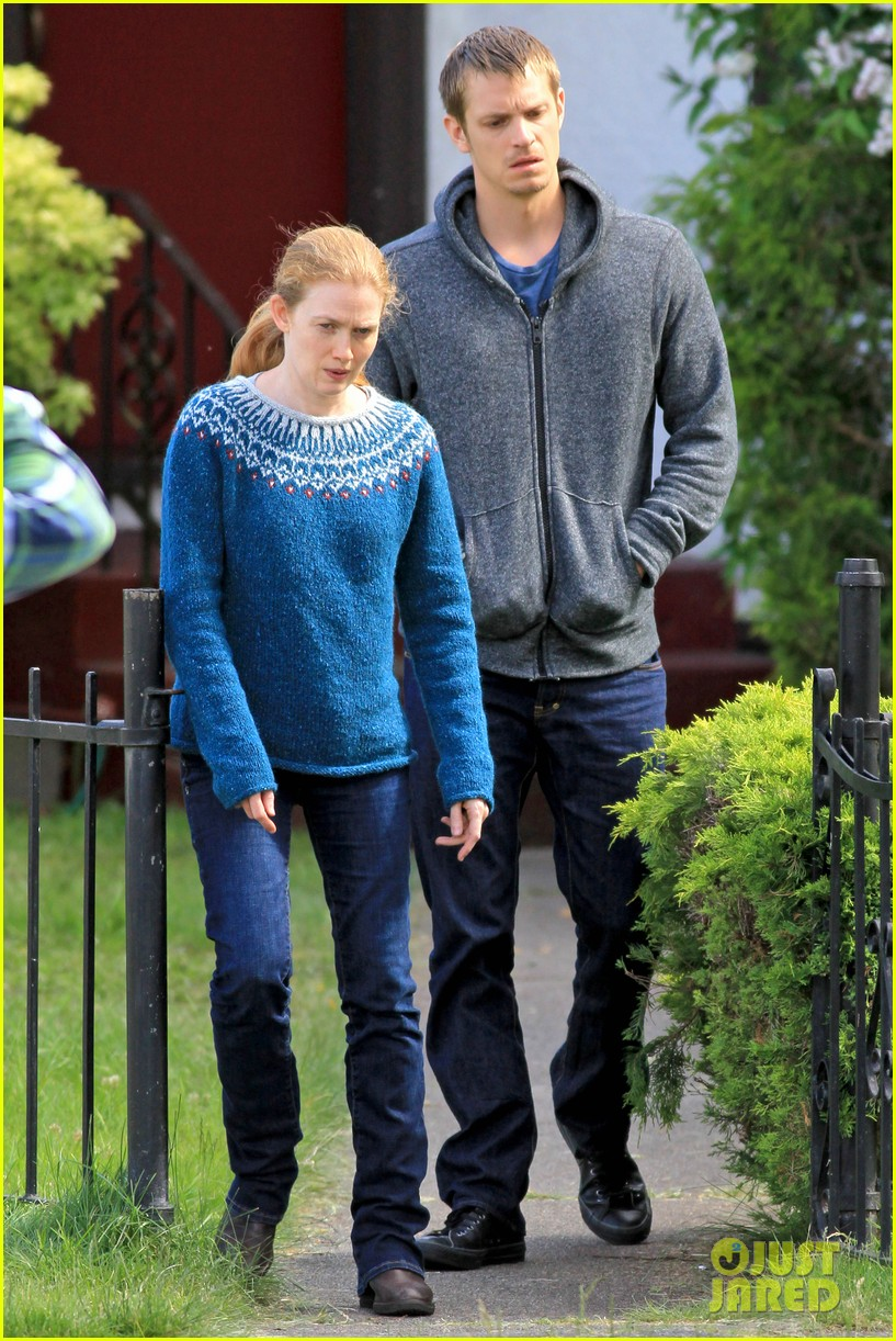 joel kinnaman mireille enos film the killing in canada 012890535