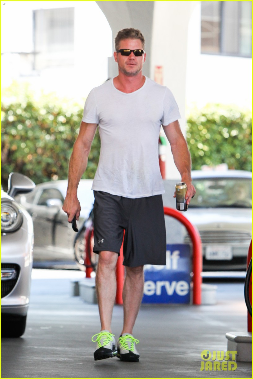 eric dane push ups with daughter billie 082897057