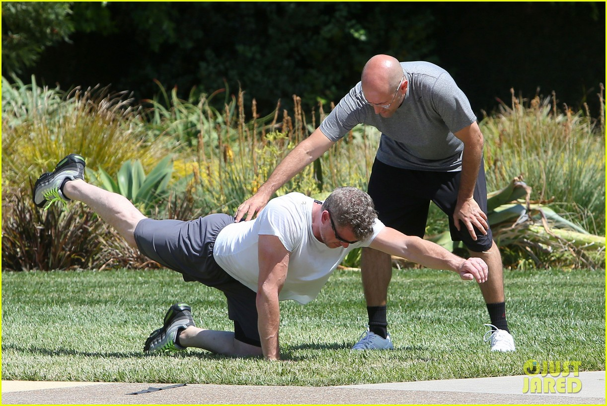 eric dane push ups with daughter billie 362897085