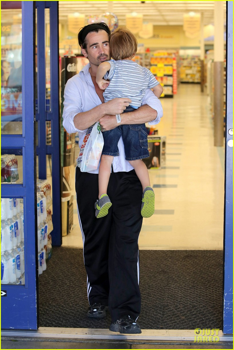 colin farrell rite aid snacks with henry 07
