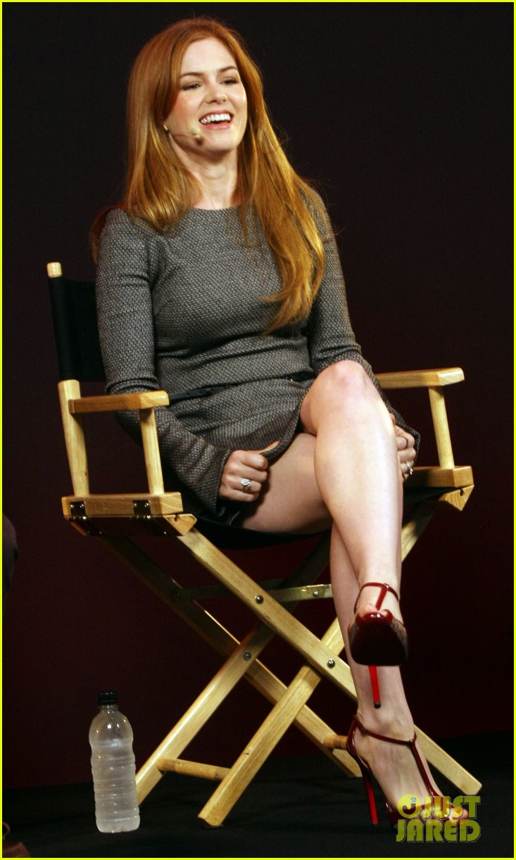 isla fisher apple store appearance in london 06