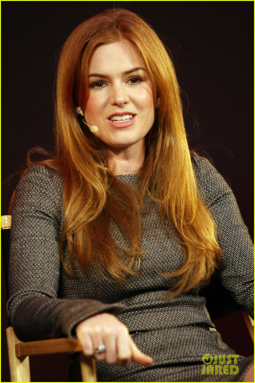 isla fisher apple store appearance in london 07