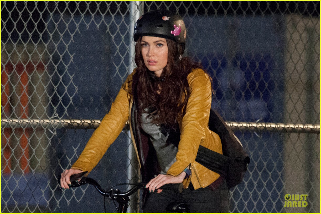 megan fox helmet safety for teenage mutant ninja turtles 06