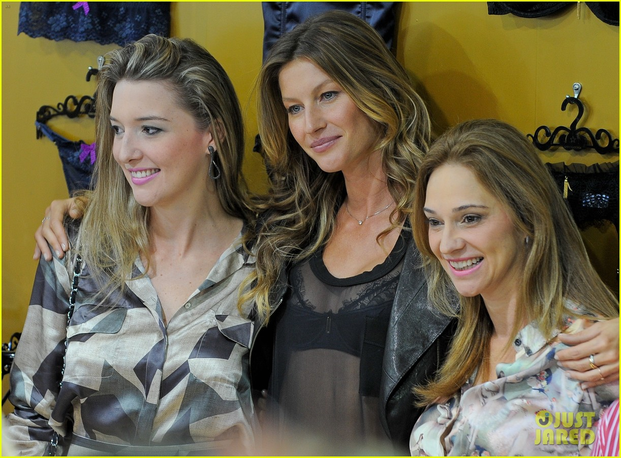 gisele bundchen launches her new lingerie line in brazil 09