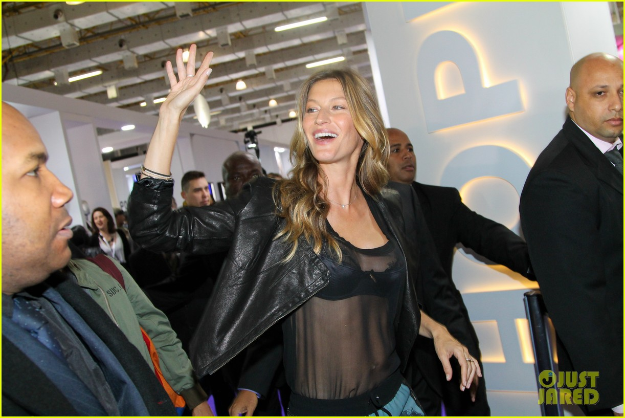 gisele bundchen launches her new lingerie line in brazil 12