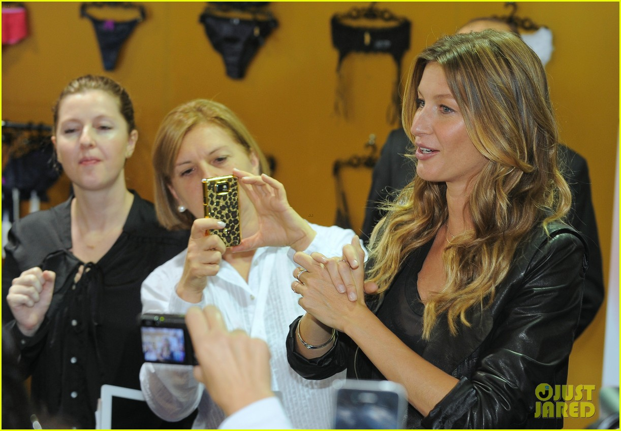 gisele bundchen launches her new lingerie line in brazil 17