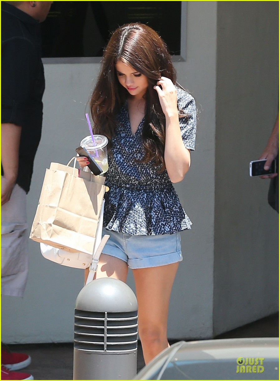 selena gomez im so glad you like spring breakers 04