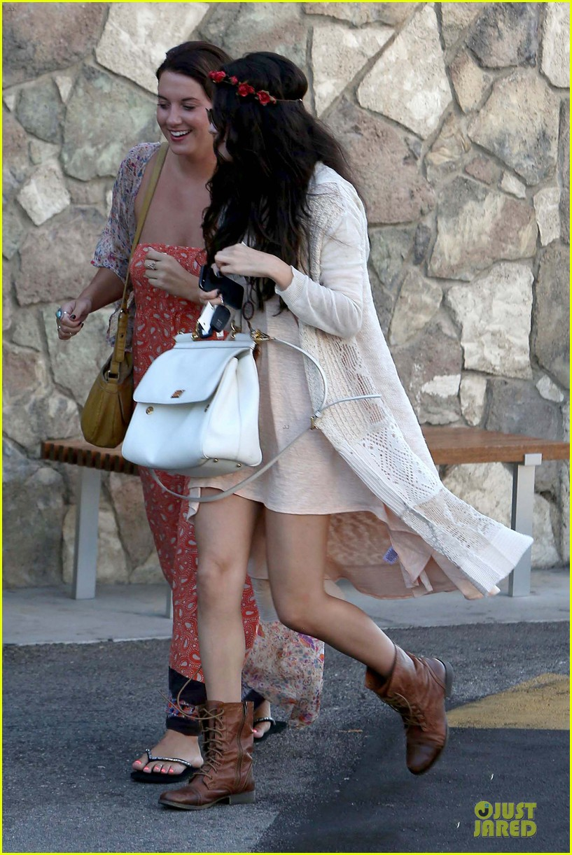 selena gomez im grateful for well wishes to baby sister gracie 03