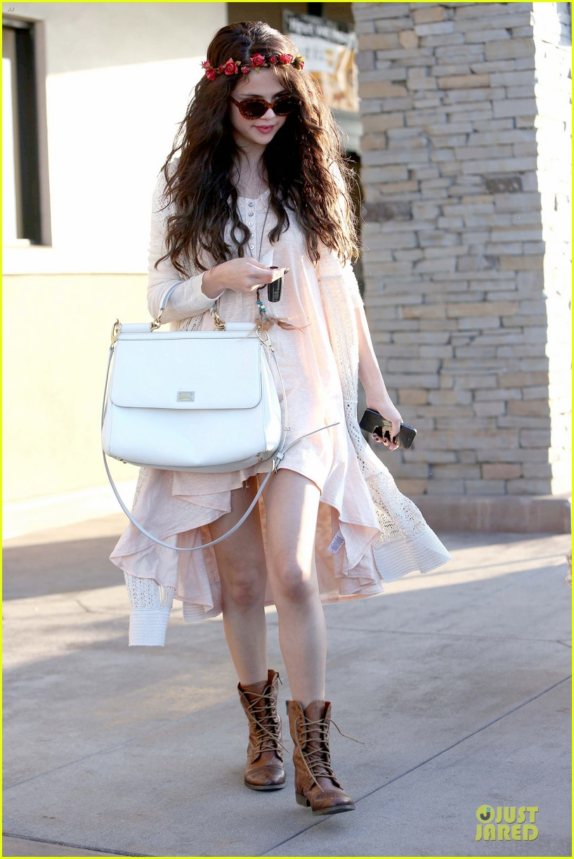 selena gomez im grateful for well wishes to baby sister gracie 05