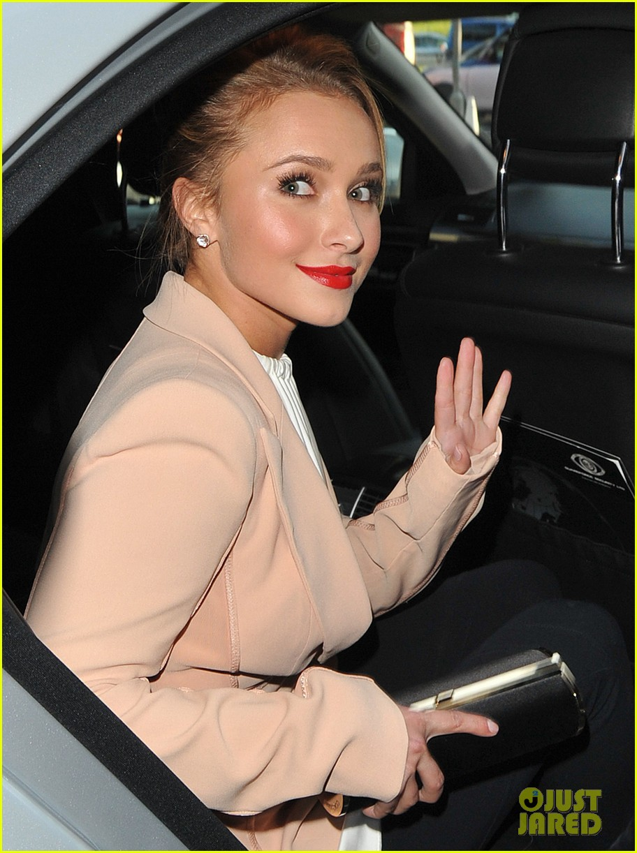 hayden panettiere it was tough growing up as an actor 07