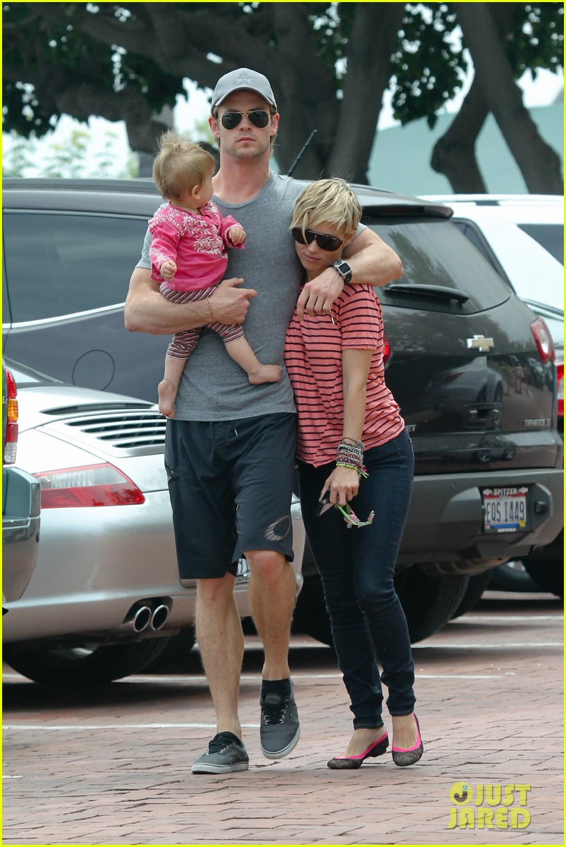chris hemsworth hugs his family close in malibu 122897464